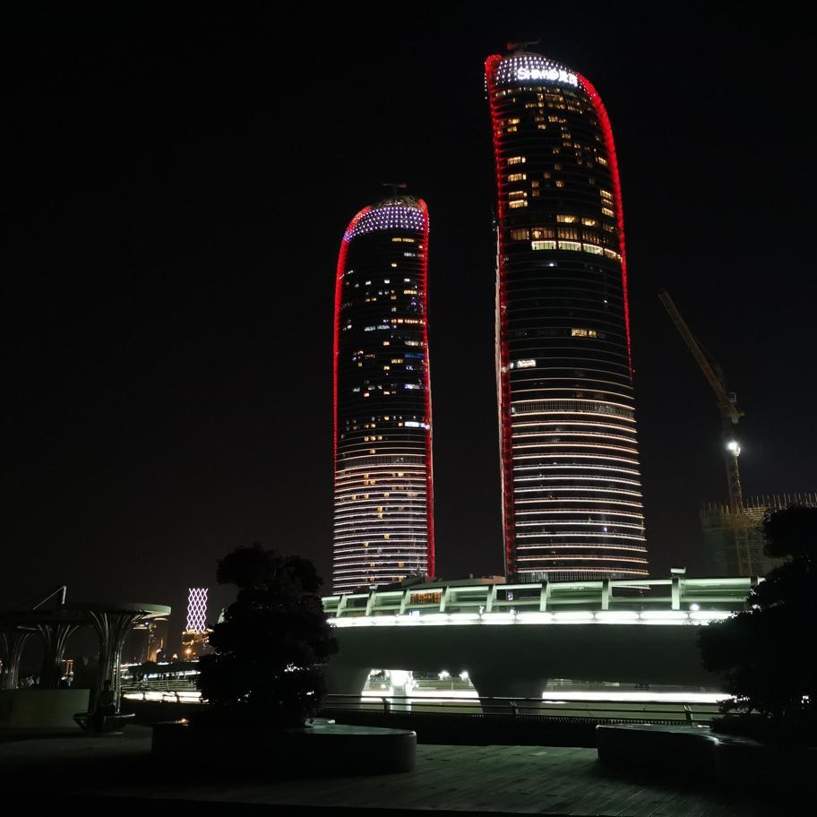 双子塔-夜